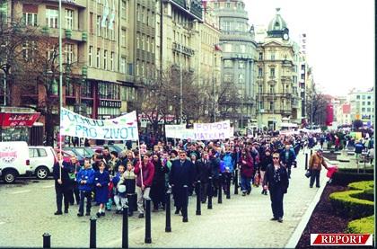 Pochod pro život se blíží ke sv. Václavu
