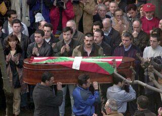 Pohřeb příslušníka ETA